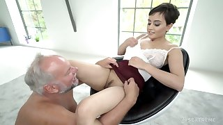 Young Slovak babe Yasmeena Ali is having dirty sex wide one old fart