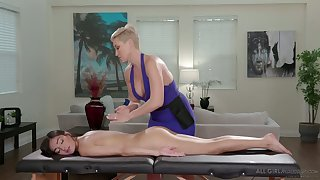 Intense mature lesbian give the impression fucks and licks lubed pussy of Emily Willis