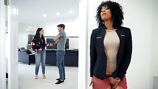 Ebony real estate delegate fucked client