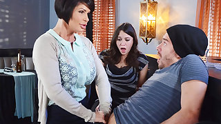 Horny mom make a gift to her untidy pussy