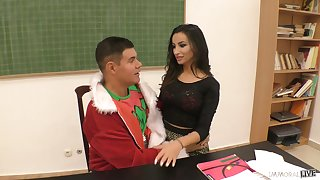 Kinky buxom gal Alysia Kent wanna loathing banged from behind cover fix up great