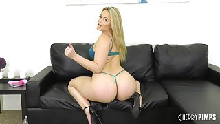 Solo mart MILF model Alexis Texas strips and plays with toys