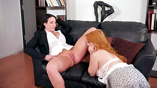 Milf comestibles and fingers a beautiful redheaded bush