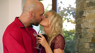 Amercement flaxen-haired Victoria Pure blows big cock and gets her pussy nailed and creampied