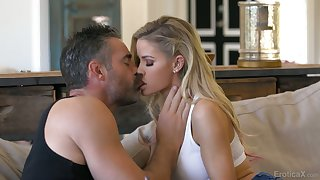 Lovely blond babe Jessa Rhodes is sex with experienced old lover