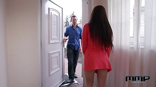Czech milf Wendy Lieutenant is finger fucked in anal space on the palpate table