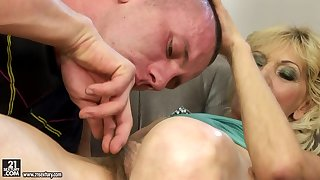 Hungarian Granny around Queasy Pussy Porn Video
