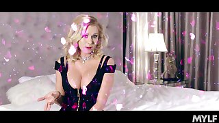 Hottest mommy wide porn industry Katie Morgan enjoys petals bubble bath