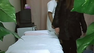 Overhear cam in massage room shoots amateur
