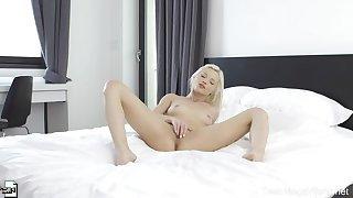 One-actress sex show